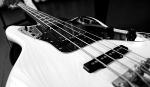 electric-bass-787207_1920