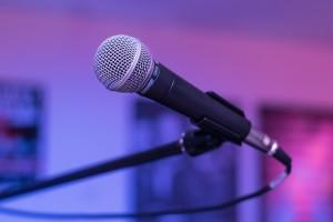 microphone-1159791_1920